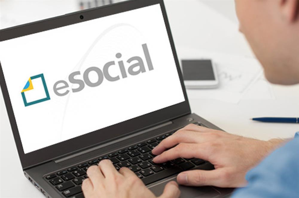 Receita confirma adiamento do prazo de entrega do eSocial