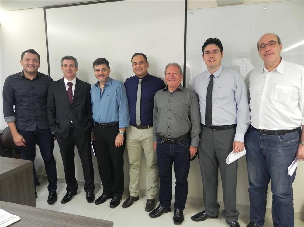 Café Empresarial discute reajuste do IPTU