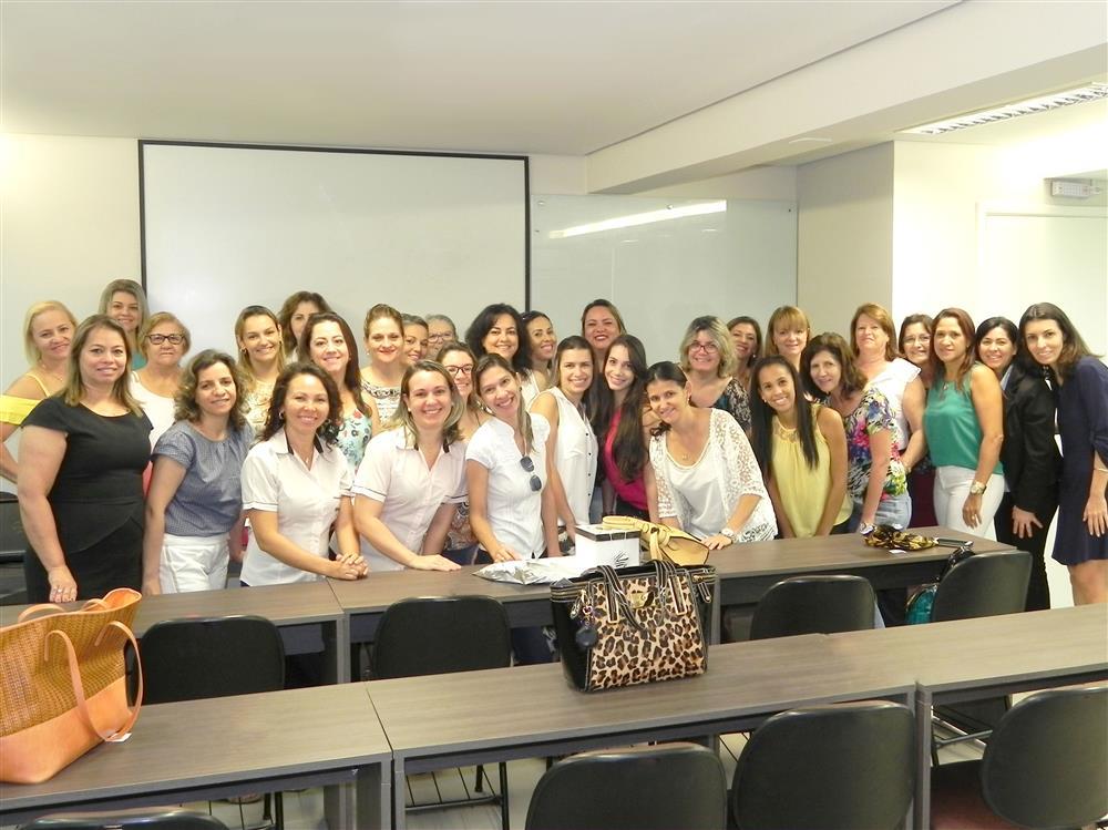 Grupo de Empresárias reunidas para o evento no Sescap-Ldr