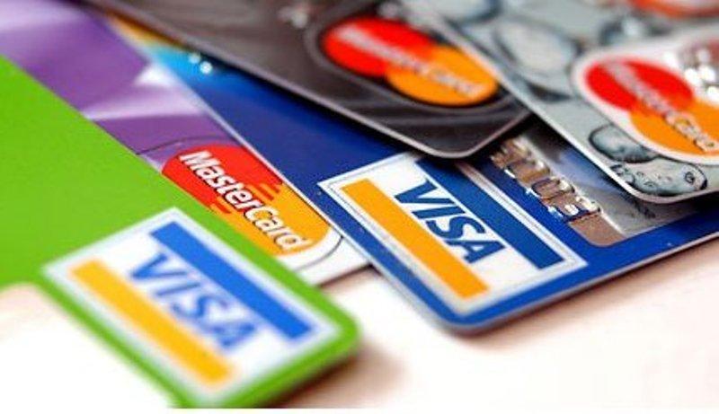 Maioria dos serviços de bancos sobe mais do que a inflação