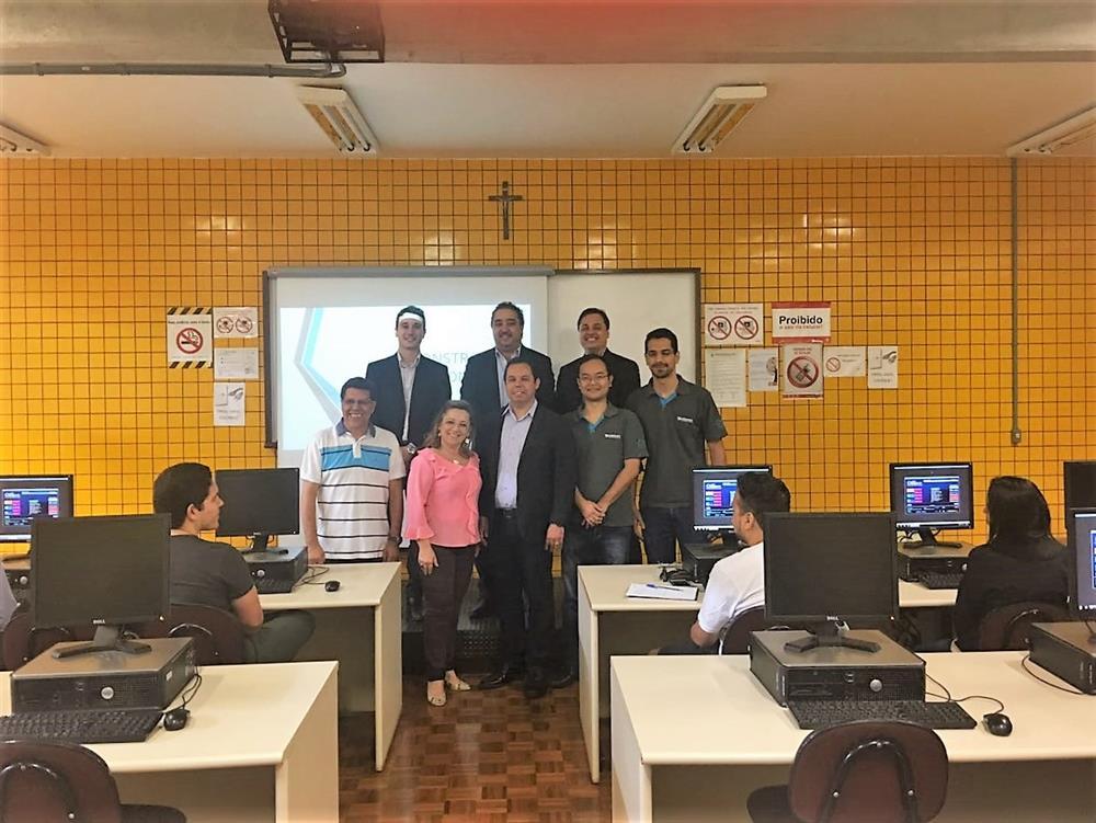 Projeto: treinamento de Sistemas Integrados