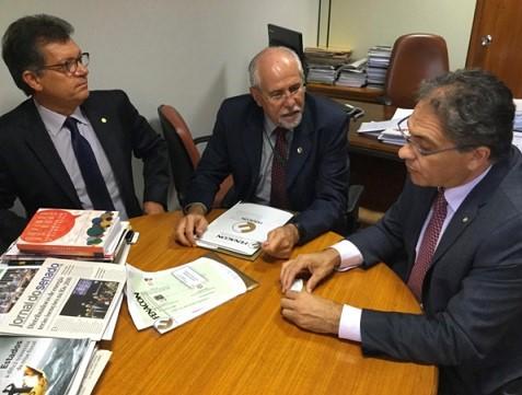 Fenacon se reúne com os deputados Laércio Oliveira e Carlos Zarattini para a aprovação da MP 701